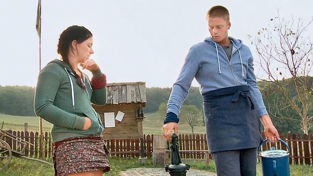 Maja Martinec in Niko Žižek (Kmetija: Nov začetek): Oba se selita (foto: Planet TV; MIMA, osebni arhiv)