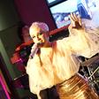 Alya predstavlja novo pesem 'Spet in spet'