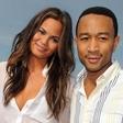 Chrissy Teigen in John Legend postala starša