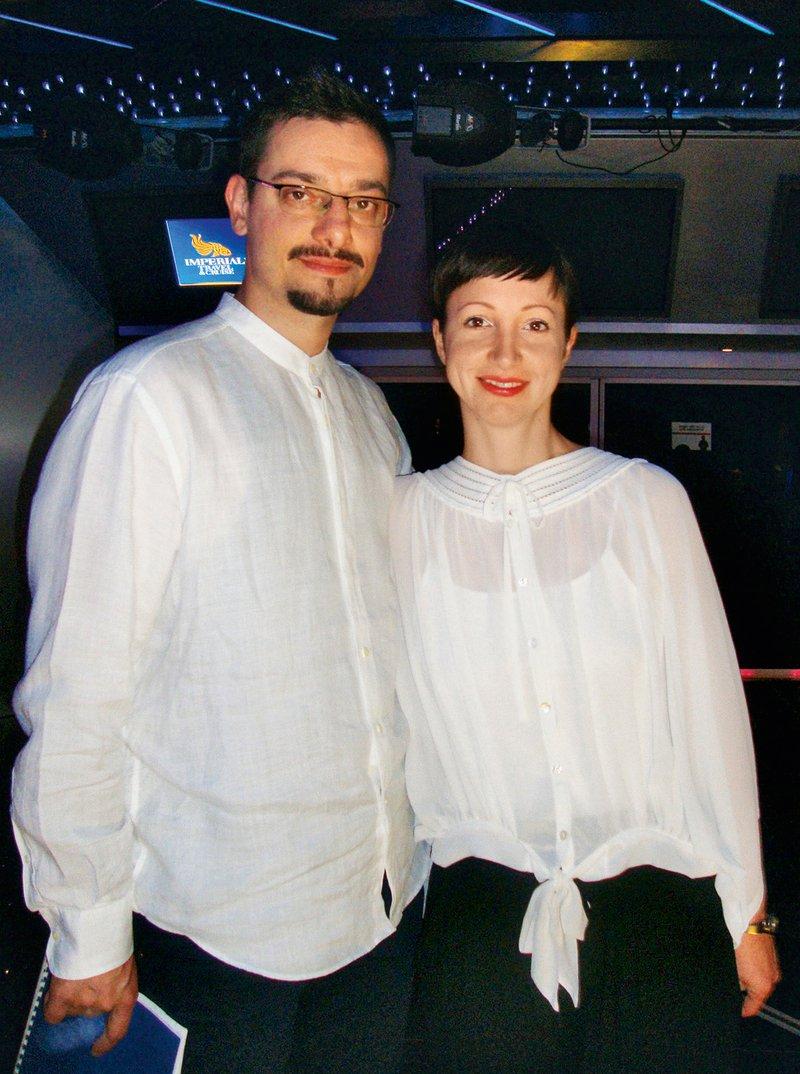 Tokrat se je pri ustvarjanju albuma povezala s soprogom Milanom, ki je napisal aranžmaje in odigral klavir.
