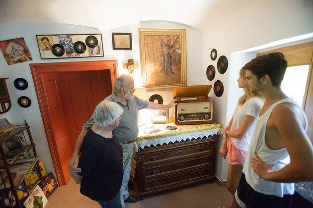 Malči in Marko Samec z Domačije spominov bosta tudi letos razkazovala zbirko spominov