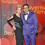 Zvezdnik, ki mu je  nekdanja partnerica,  nemška igralka in  glasbenica Katja  Keller povila sina, je  od junija 2008  poročen s pevko  Susanne Kemmler.  (foto: Pop tv, profimedia)