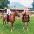 Tara Zupančič in Tanja Postružnik: Lepotički na konju