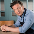 Jamieju Oliverju med gostovanjem v oddaji pripravili prikupno presenečenje! Poglejte, kakšno!