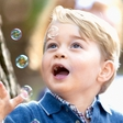 Princ George in princesa Charlotte  sta živahna malčka