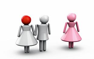 Janina porota: Mož se spogleduje in flirta z drugimi pred menoj!