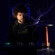 Tesla - glasbeno-gledališka predstava v izvedbi Janeza Dovča