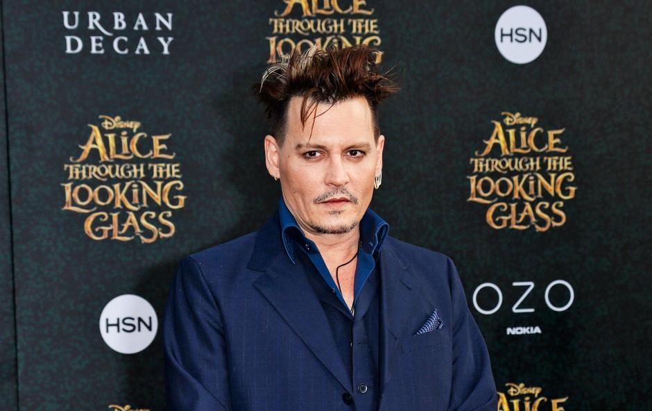 Johnny je obudil spomin na boleče obdobje svojega življenja, ko je njegova hčerka hudo zbolela.         (foto: Profimedia)