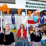 Predstavnice Nizozemske na lanskem bazarju. (foto: Aleksandra Saša Prelesnik)
