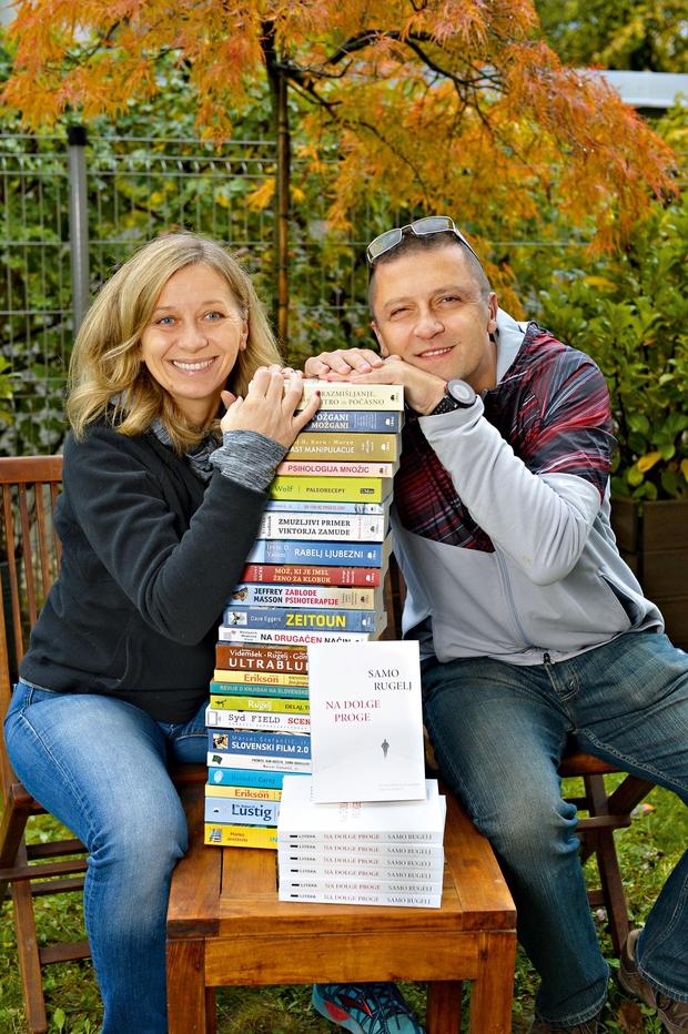 Renate in Samo Rugelj: »Vsak mesec izdamo dve knjigi.« (foto: Primož Predalič)