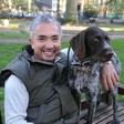 Kako se prvič varno približati neznanemu psu po navodilih Cesarja Millana