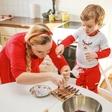 Ana Žontar Kristanc kuha skupaj s sinom Timonom