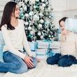Ana Bešter Bertoncelj (kolumna) o tem, kako v tem času obdarovati otroka