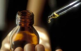10 eteričnih olj, zaradi katerih boste obiske v lekarnah zmanjšali na minimum!