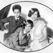 Herta z mamo Prisko in bratom Silvijem