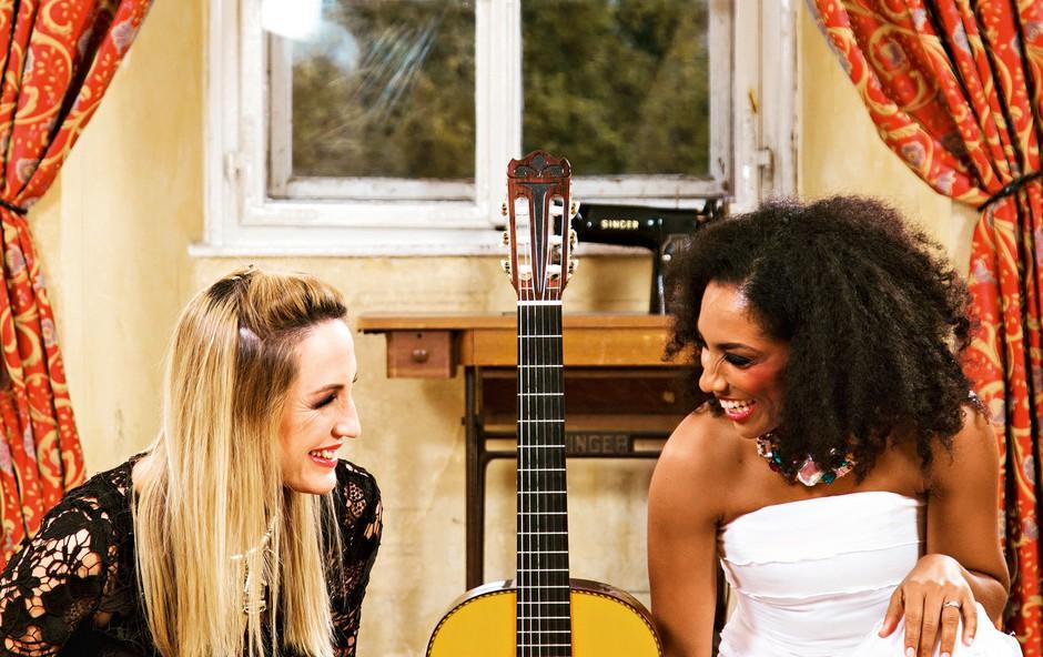 Eva Hren in Irena Yebuah Tiran želita z novo pesmijo pozivati k strpnosti (foto: Miloš Toni, Darja Štavs Tisu, osebni arhiv)
