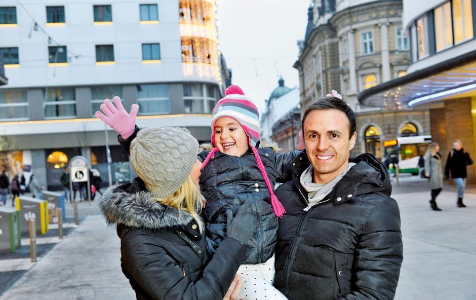 Igralec Ranko Babić svoj čas najraje preživi doma s svojima puncama (foto: Primož Predalič, osebni arhiv)
