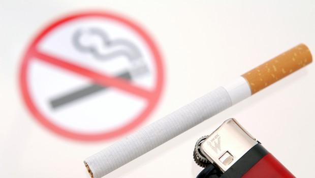 Grški politik zavrača kritike zaradi njegove ljubezni do cigaret (foto: profimedia)
