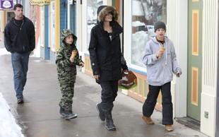 Angelina Jolie in Brad Pitt bosta nadaljevala ločitev za zaprtimi vrati!