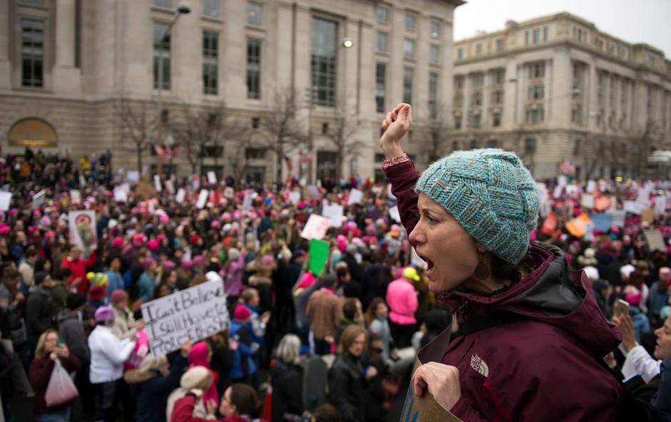 Protestni pohod žensk v Washingtonu presegel pričakovanja! Trump užaljeno ne prizna številčnosti shoda! (foto: profimedia)