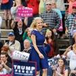 """Republikanka Kellyanne Conway: """"Politiki bodo morali prisluhniti perečim težavam malega človeka!"""""""