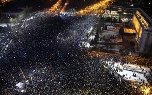 Do 300.000 protestnikov zahteva odstop romunske vlade!