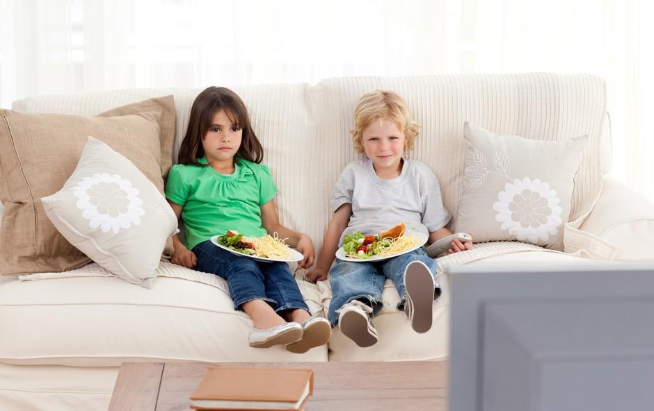 Pri reševanju problema prekomerno debelih mladostnikov pomembna tudi nova znanja (foto: profimedia)