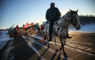 Indijansko pleme s tožbo proti gradnji naftovoda v Severni in Južni Dakoti!