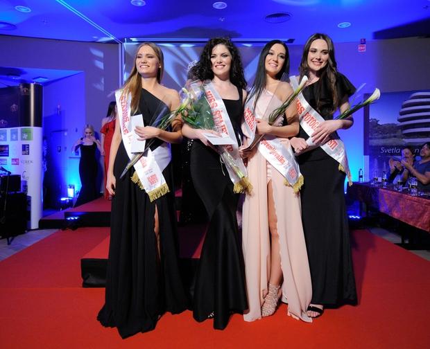 Nagrajenke večera;  Miss Štajerske za Miss Slovenije 2017  Patricija Finster, prva spremljevalka Lana Krajnc, druga spremljevalka Tina Mede in Miss Fotogeničnosti Elmedina Berisha. (foto: Grega Eržen)