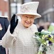 Tudi kraljica Elizabeta je navdušena zbirateljica torbic!