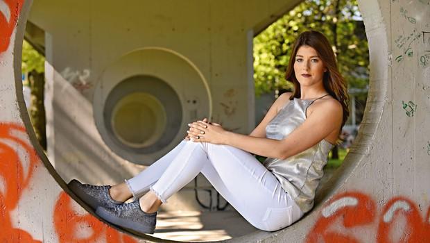 Pevka Nina Donelli je ponosna  lastnica štirih garderobnih omar (foto: Igor Zaplatil)