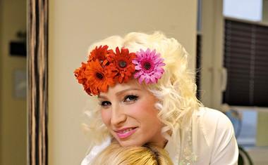 Alya: Zbolela za tumorjem na ščitnici