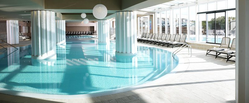 Ana Klašnja bo v Hotelih LifeClass Portorož lahko zaplavala v toplem morju še pred 1. majem
