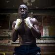 Idris Elba: Ali filmski zvezdnik v 12 mesecih lahko postane profesionalni borec?