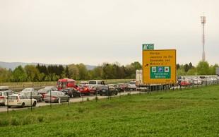Na mejnih prehodih povečan promet, največja gneča na Obrežju
