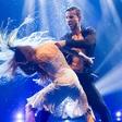 Sedmo oddajo Zvezde plešejo je zaznamovala ljubezenska tematika