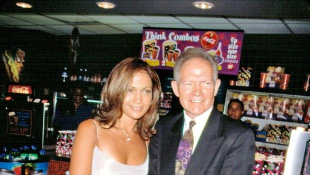 Oče Jennifer Lopez bankrotiral zaradi scientologije (foto: profimedia)