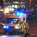 22 mrtvih in več kot 50 ranjenih v eksploziji po koncertu v Manchestru! (foto: profimedia)