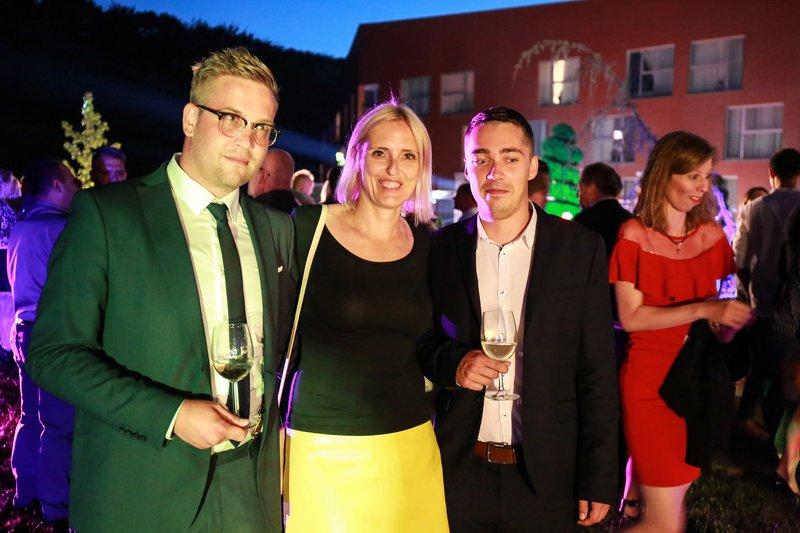 Saša Vugrinec in Daniel Herman iz hrvaške PR agencije Scribo v druži Irene Pavčič iz agencije IPPR