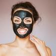 Nika Veger: Negovalna črna maska? Olupili so vas!