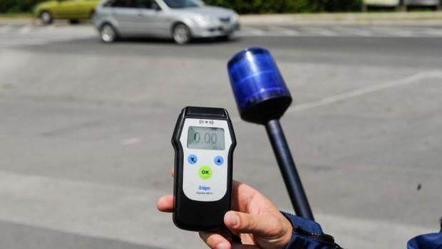 Policija bo vse do nedelje izvajala prvi del akcije 0,0 šofer (foto: Nebojša Tejić/STA)