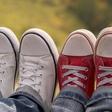 Razmislek o dinamiki prijateljstev od otroštva do zrelih let