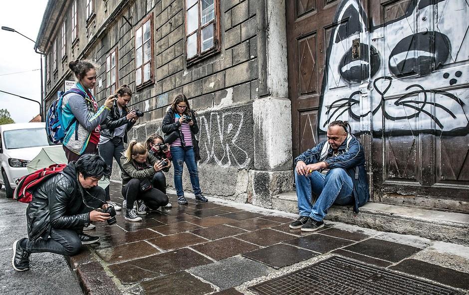 Taubi pozira na Poljanski ulici. (foto: Tina Ramujkić)