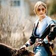Manekenka Gigi Hadid do svoje linije sončnih očal