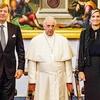 Papež Frančišek si je vzel kar nekaj časa  za klepet s kraljevim parom.