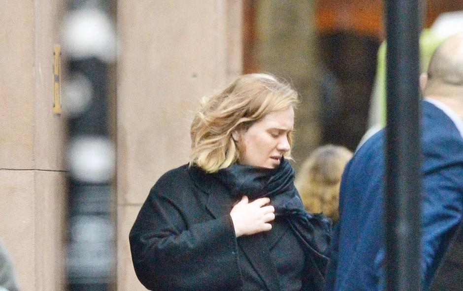 Adele ima težave z glasilkami (foto: Profimedia)