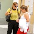 Lara Pirc & Sara Rutar: Ujeti med pogovorom