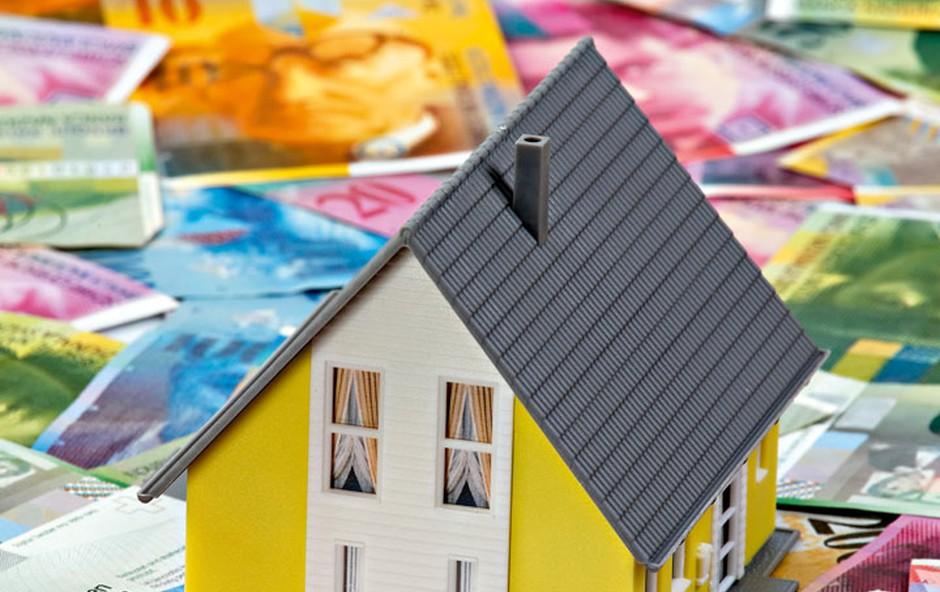 """Zaradi posojil v """"švicarjih"""" nič več ob streho nad glavo? (foto: Shutterstock)"""