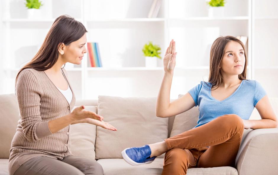Dr. Tina Bregant: Starši in otroci na vrtiljaku pubertete (foto: Shutterstock)