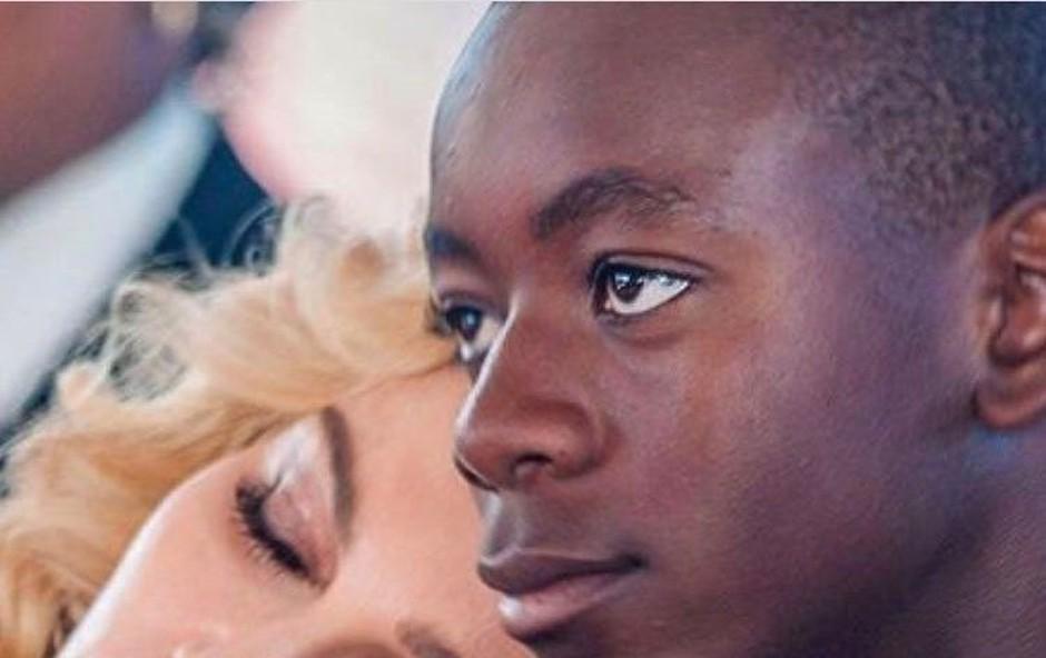 Madonna se zaradi sina seli v Lizbono (foto: profimedia)